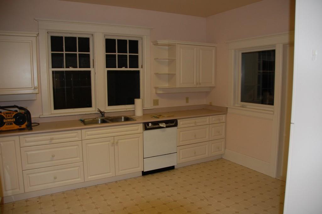 Transit - Kitchen - Before